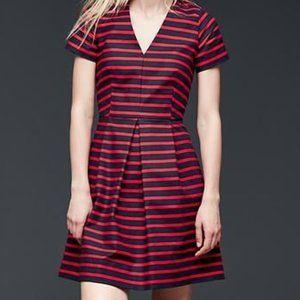 Gap Stripe pleated fit & flare dress Size: 12